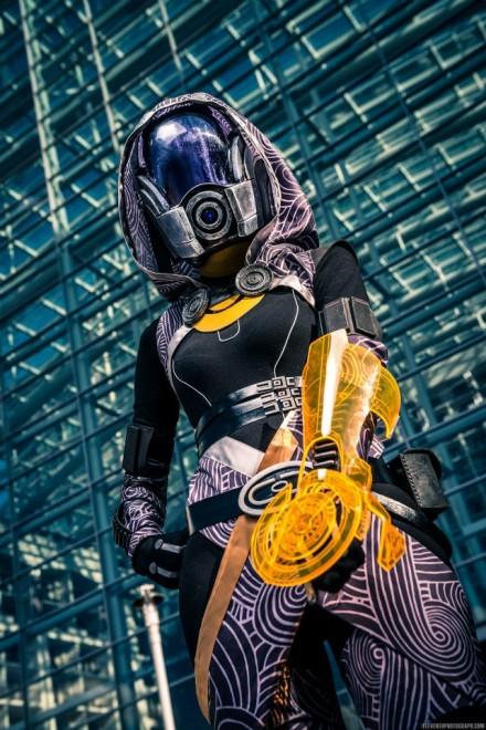mass-effect-cosplay-440x660
