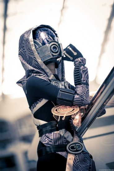 mass-effect-cosplay3-367x550