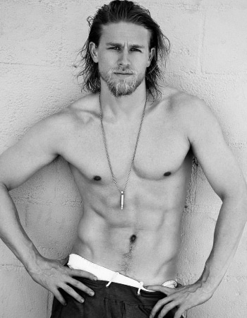 charlie-hunnam-shirtless2